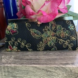 Embroidery flat wallet clutch